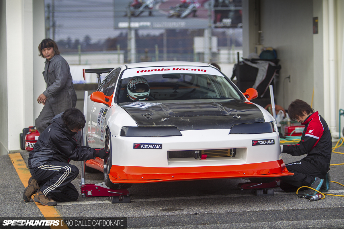 Back To Basics: A Gutted Out Integra TypeR