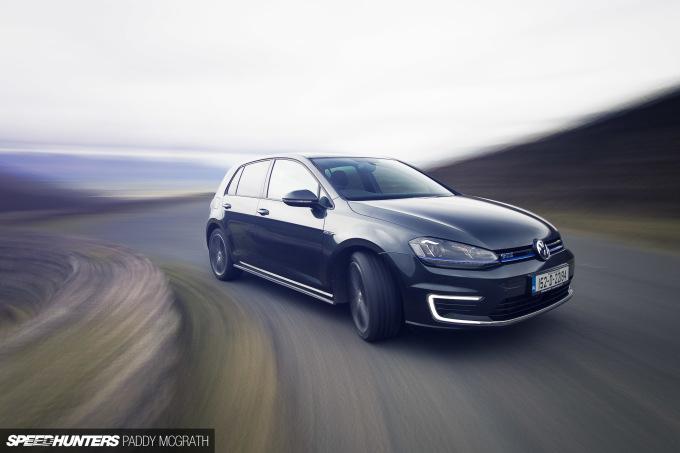 CarsOfFeb2016-Volkswagen-GTE-by-Paddy-McGrath-19