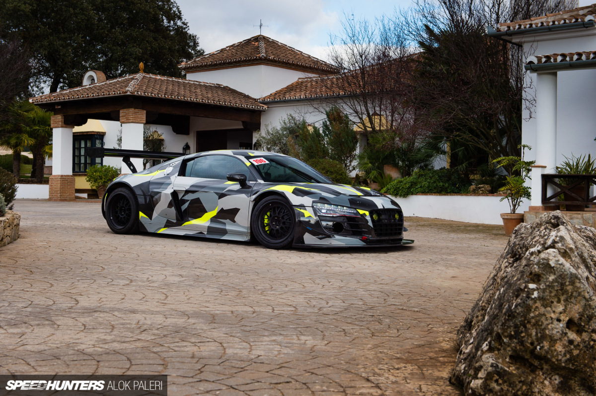 Dream Drive: A 1000hp Audi R8 On Ascari Circuit