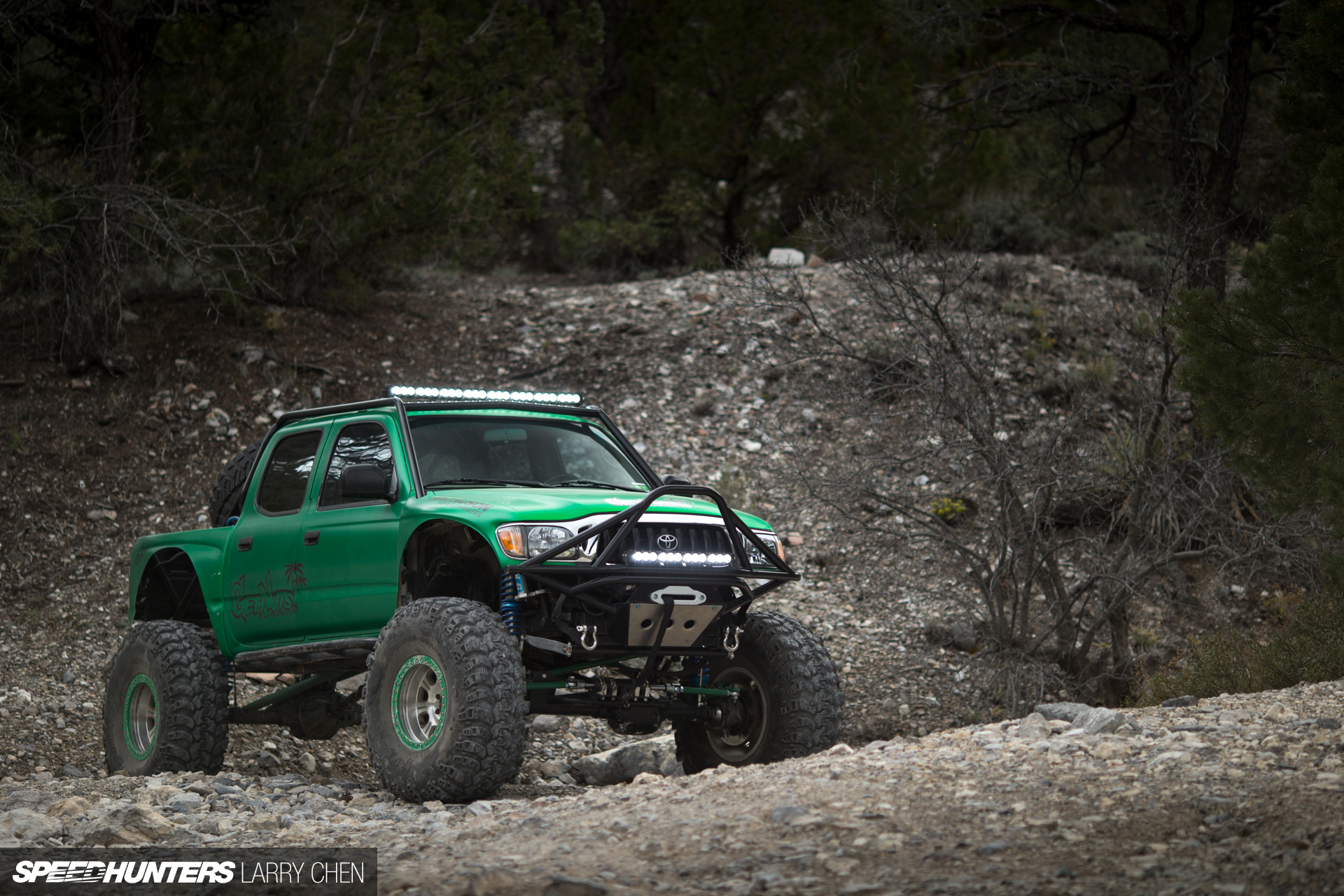 getting nuts off road forrest wang 39 s toyota tacoma. Black Bedroom Furniture Sets. Home Design Ideas