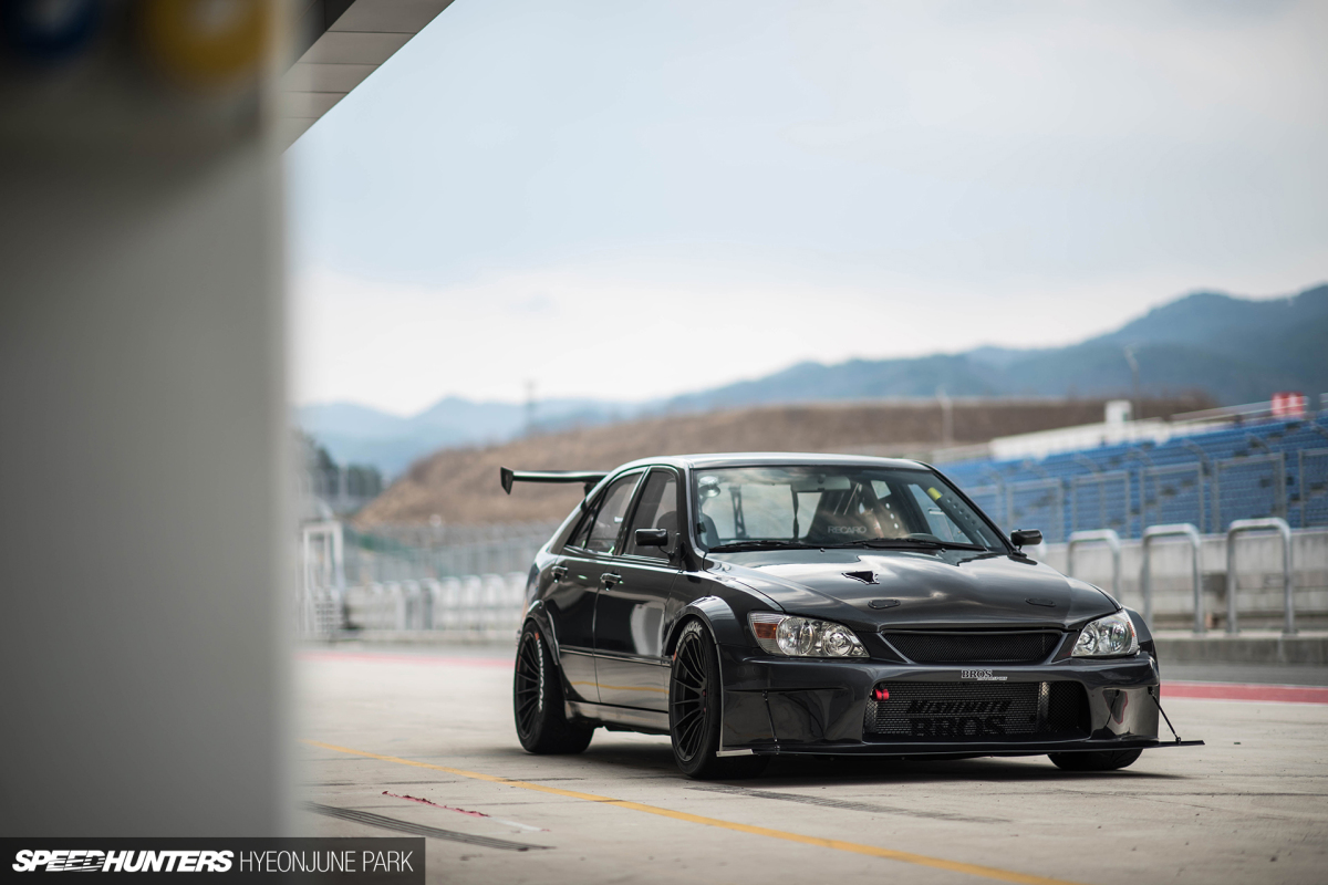 JDM In Korea: The MotorKlasse Lexus IS200