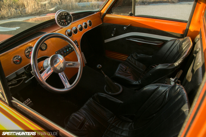 sh_Ray-Datsun-interior-5