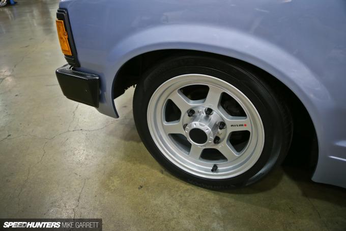 Datsun-720-04