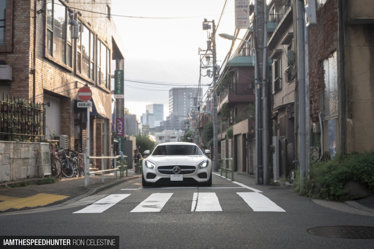 Catching Cars In Japan'sCapital