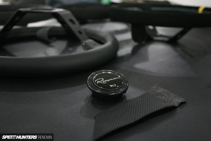 5-renown-speedhunters-steering-wheel
