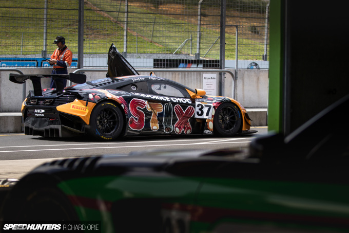 2016-Mad-Mike-McLaren-GT3-Hampton-Downs-101-Speedhunters-Richard-Opie (39)