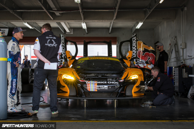 2016-Mad-Mike-McLaren-GT3-Hampton-Downs-101-Speedhunters-Richard-Opie (51)