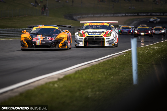 2016-Mad-Mike-McLaren-GT3-Hampton-Downs-101-Speedhunters-Richard-Opie (65)