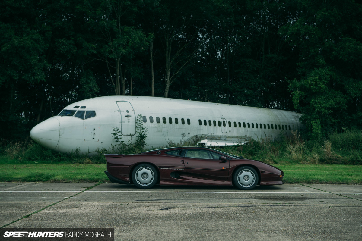 Big Game: Hunting The Jaguar XJ220