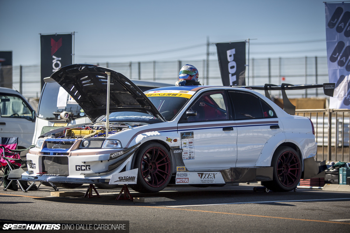Thinking Differently: A Lancer Evo V By Tex Modify