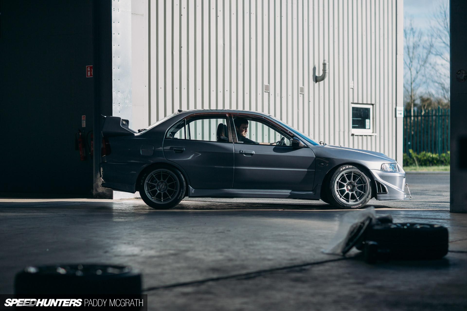 Carbon Fiber Gas Cap Fuel Door Cover for Mitsubishi Evolution EVO 7 8 9 CT9A