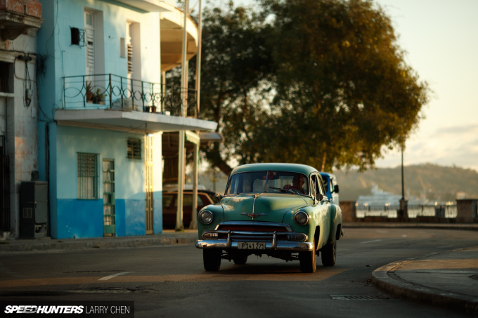 Larry_Chen_Speedhunters_havana_cuba_car_spotting_16