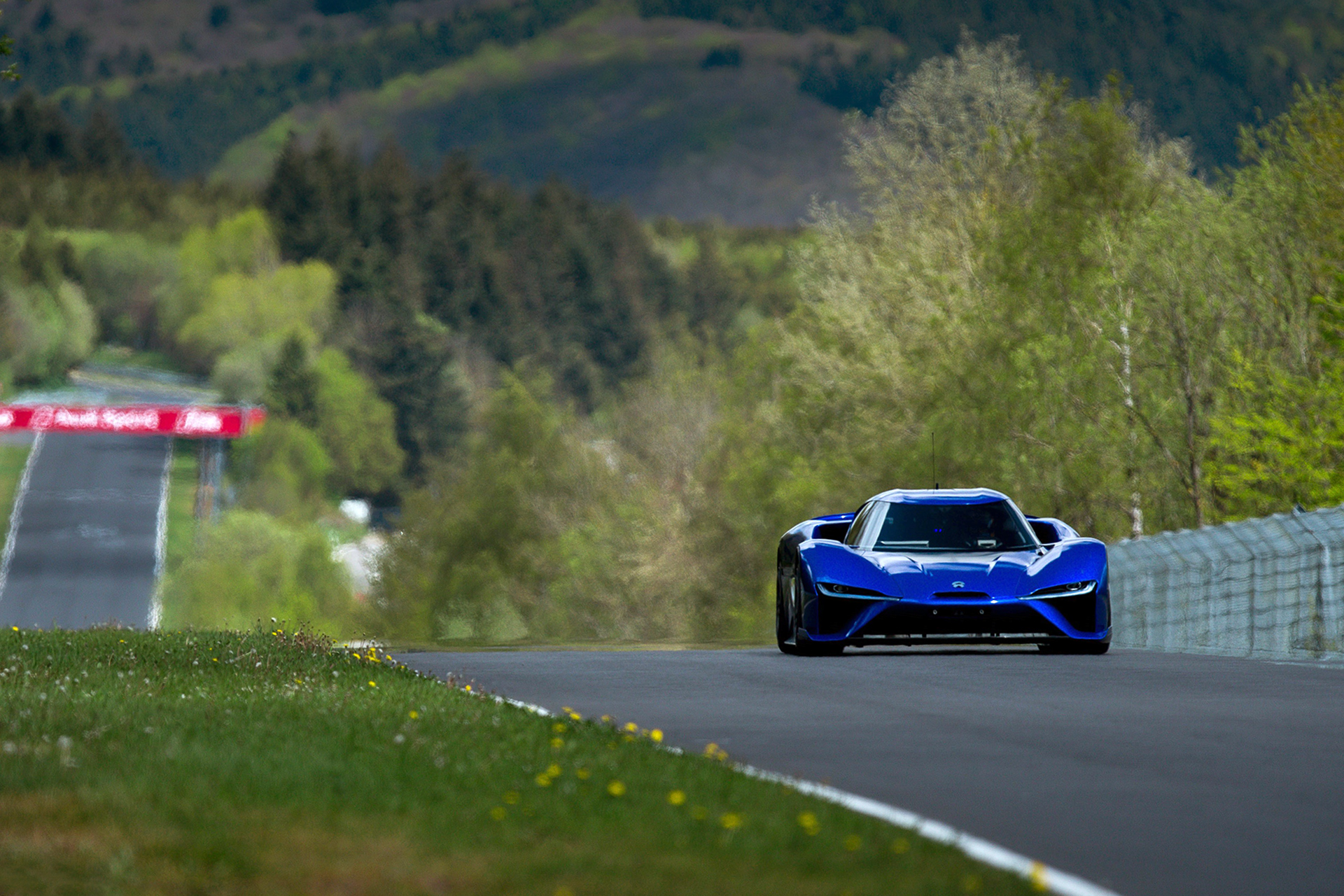 NIO Smashes The Nürburgring EV Lap Record