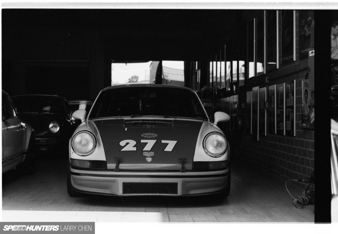 Speedhunters_Larry_Chen_Magnus_walker_book_34
