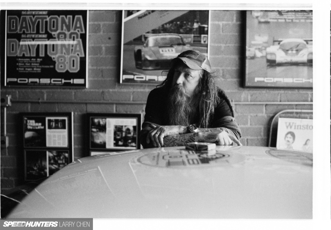 Speedhunters_Larry_Chen_Magnus_walker_book_36