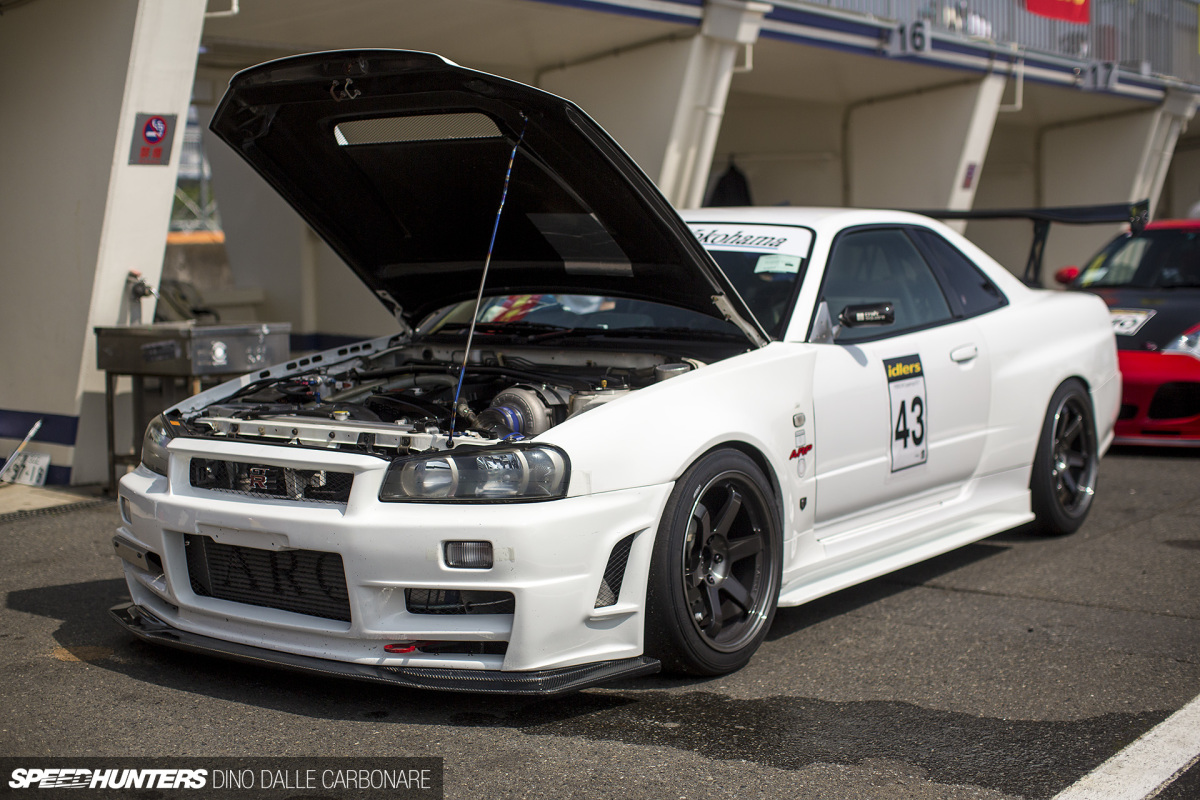 Single Screamer: AGY's R34 Skyline GT-R