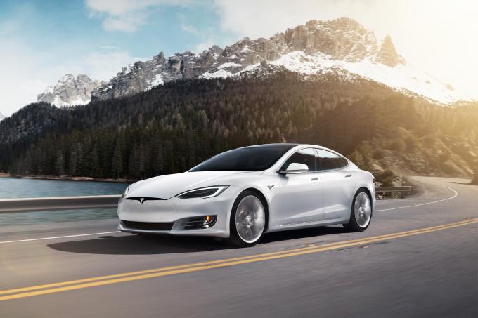 SH_Tesla_ModelS_1