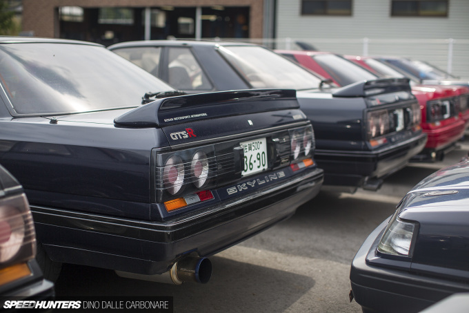 r31 wagon tail light