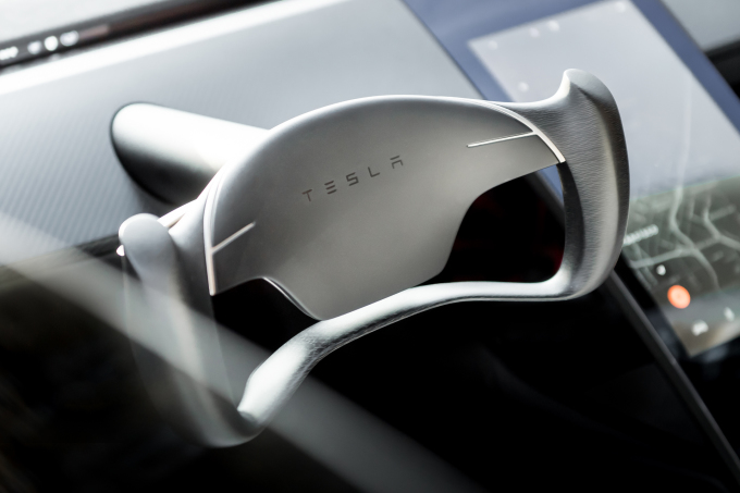 Tesla_Roadster_Steering_Wheel