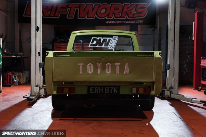 driftworks-hi5-hilux-jordanbutters-speedhunters--17