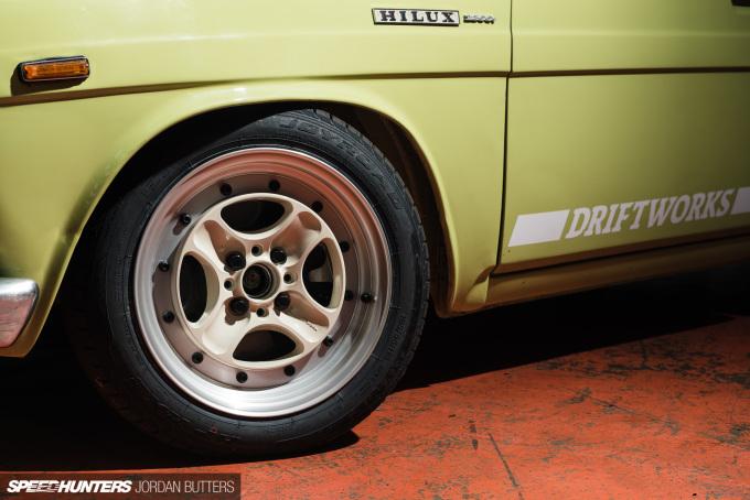 driftworks-hi5-hilux-jordanbutters-speedhunters-5959