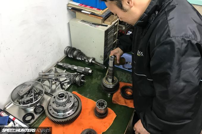ProjectNSX-gearbox-blakejones-speedhunters-0076