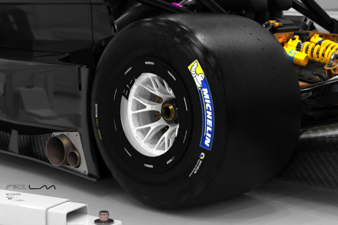 07_F132LM_garage_wheel_cu_01
