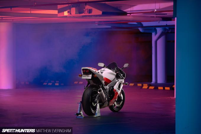 Yamaha-R1-20th-Anniversary-Boxer-Matthew-Everingham-Speedhunters- (15)