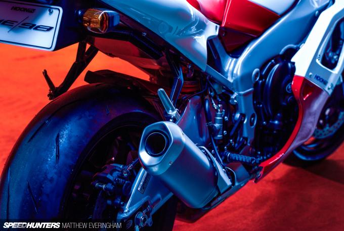 Yamaha-R1-20th-Anniversary-Boxer-Matthew-Everingham-Speedhunters- (17)
