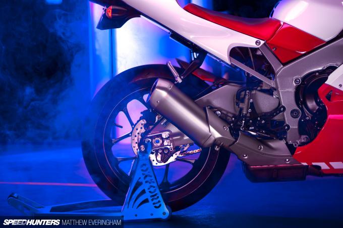 Yamaha-R1-20th-Anniversary-Boxer-Matthew-Everingham-Speedhunters- (18)