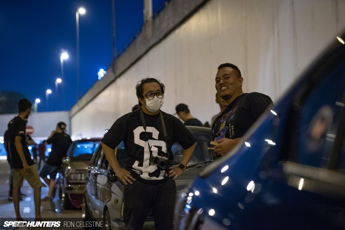 ron_celestine_backwheelbitches_malaysia_nightmeet_talking