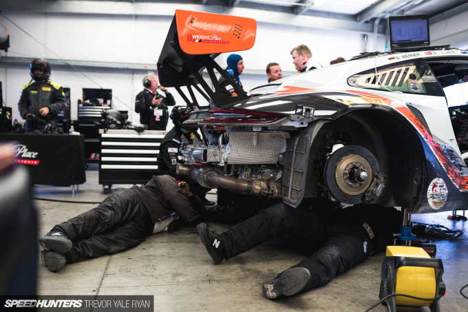 2019-California-8-Hour-Pit-Stops_Trevor-Ryan-Speedhunters_017_8403