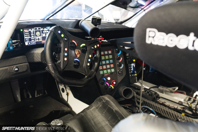 2019-California-8-Hour-Pit-Stops_Trevor-Ryan-Speedhunters_020_8427