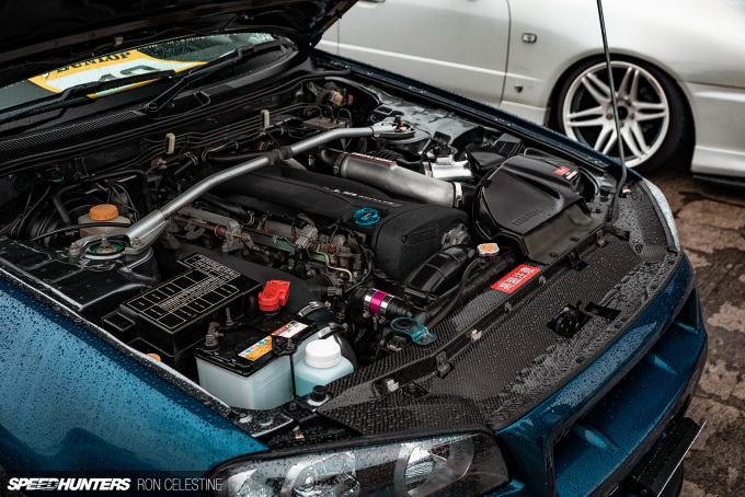 Speedhunters_Ron_Celestine_R34_Nissan_ER34_4Door_EngineBay
