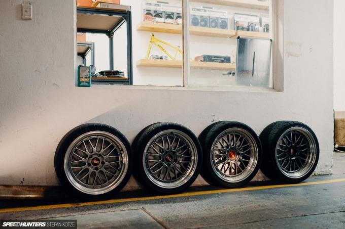 speedhunters-stefan-kotze-garage-kiu-001