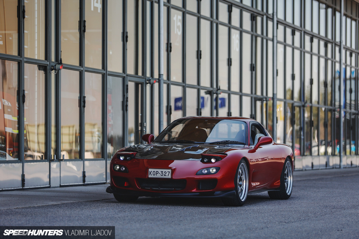 An FD3S Mazda RX-7 & The Smell Of 2-Stroke Premix