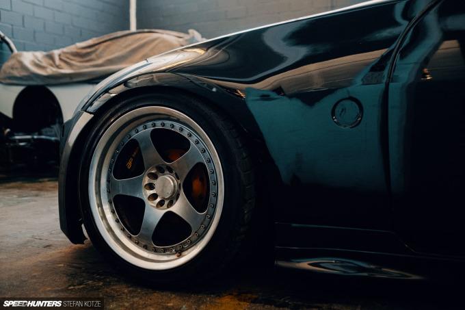speedhunters-stefan-kotze-garage-kiu-102