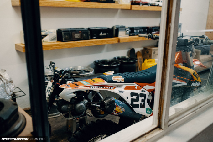 speedhunters-stefan-kotze-garage-kiu-004