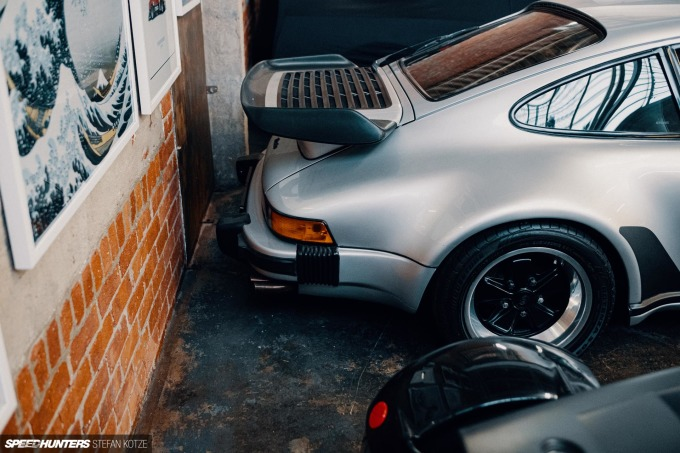 speedhunters-stefan-kotze-garage-kiu-093