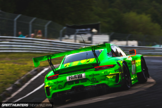 2019-Nurburgring-24-Hour-How-To-Shoot_Trevor-Ryan-Speedhunters_051_9185
