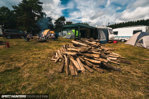 2019-Nurburgring-24-Hour-Fans-And-Camps_Trevor-Ryan-Speedhunters_013_5149