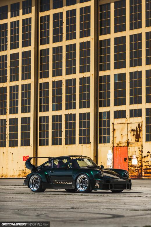 2019-Sunburst-964-Porsche-JDM-Style_Trevor-Ryan-Speedhunters_022_3764