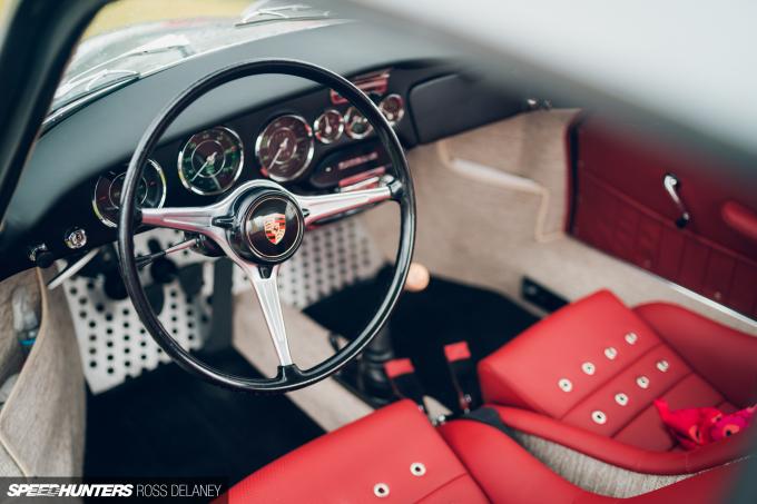 RDM19_SilverstoneClassic_Speedhunters-50