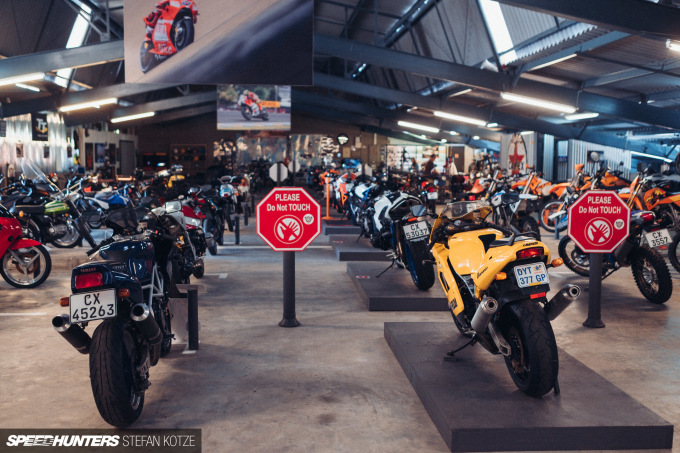 stefan-kotze-speedhunters-motorcycle-room-111