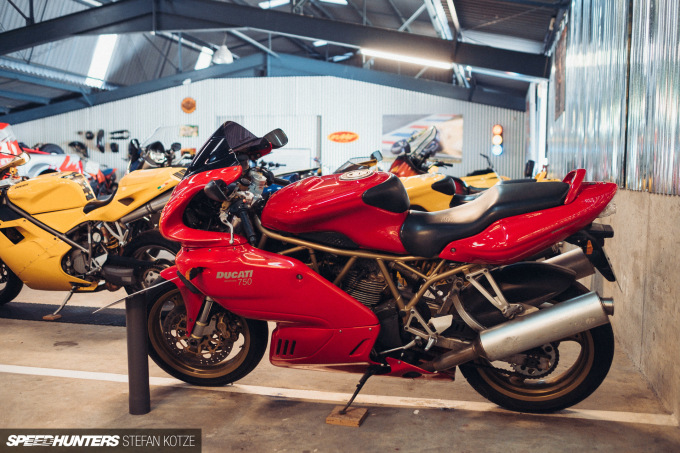stefan-kotze-speedhunters-motorcycle-room-064