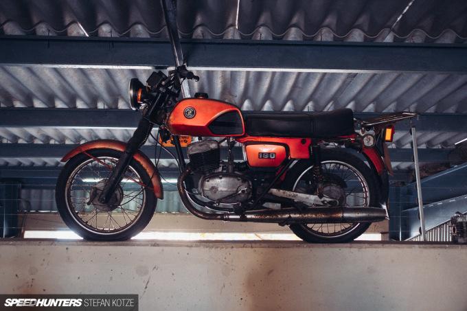 stefan-kotze-speedhunters-motorcycle-room-079