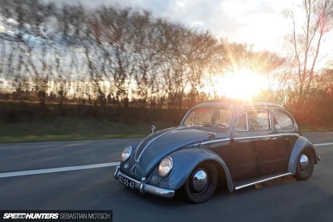 Volkswagen Beetle in Brussels Belgium by Sebastian Motsch