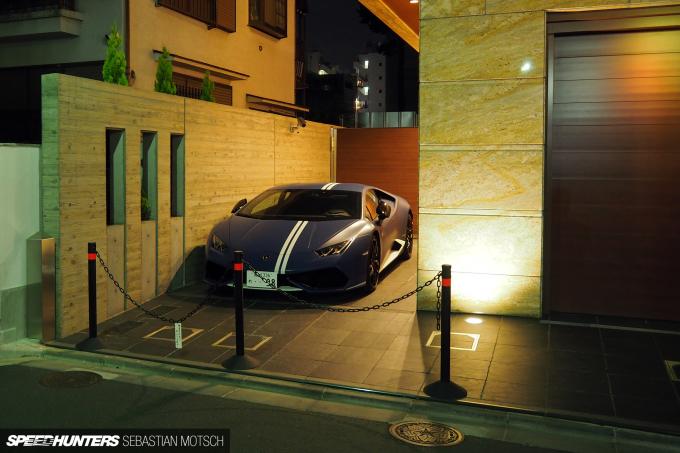 Lamborghini Huracan in Tokyo Japan by Sebastian Motsch