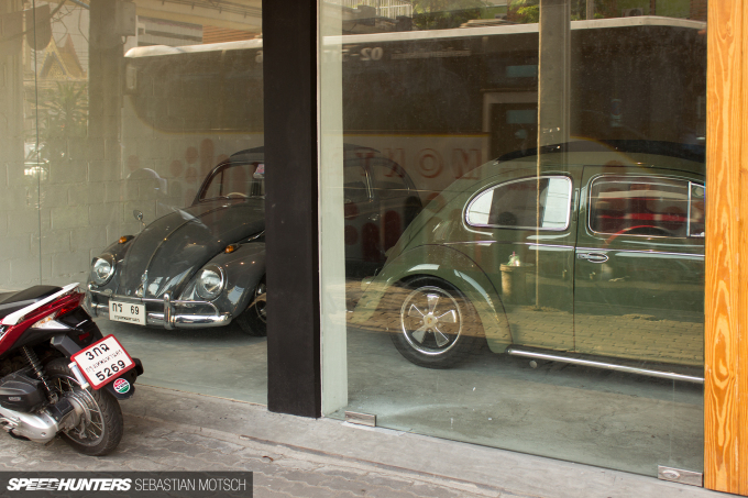 Volkswagen Beetles in Bangkok Thailand by Sebastian Motsch 03