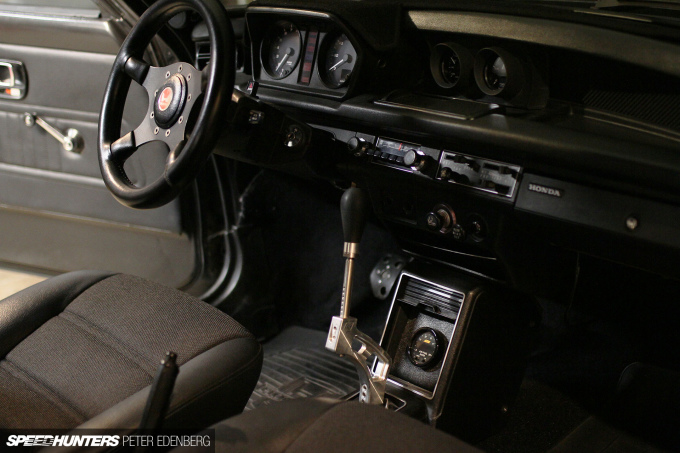 Speedhunters_Terminator-gear-stick-Civic-1978